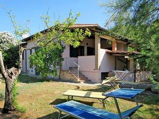 3 bedroom Villa in Castiglione della Pescaia, Tuscany, Italy : ref 5651448