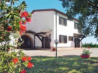 4 bedroom Villa in Il Poggiale, Tuscany, Italy : ref 5651449