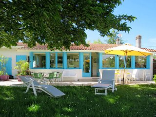 2 bedroom Villa in Ares, Nouvelle-Aquitaine, France : ref 5650876