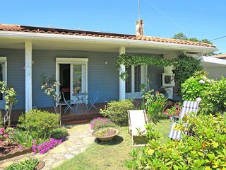 2 bedroom Villa in Andernos-les-Bains, Nouvelle-Aquitaine, France : ref 5649922
