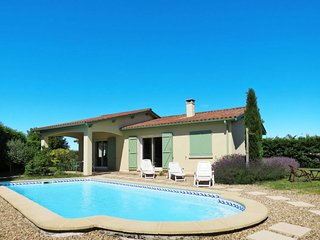 3 bedroom Villa in Saint-Germain-d'Esteuil, Nouvelle-Aquitaine, France : ref 565