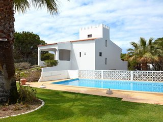 3 bedroom Villa with Pool, Air Con and WiFi - 5651756