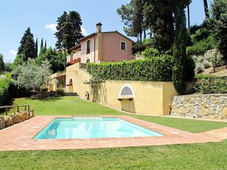 5 bedroom Villa in Pillo, Tuscany, Italy : ref 5651434
