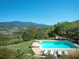 3 bedroom Apartment in Poggioferro, Tuscany, Italy : ref 5651385