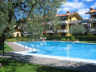 2 bedroom Apartment in Scannabue-Cascine Capri, Lombardy, Italy : ref 5651478