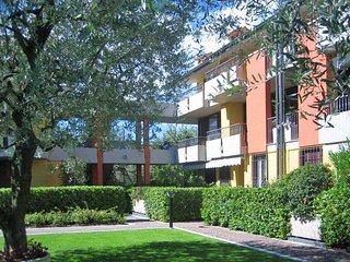 2 bedroom Apartment in Scannabue-Cascine Capri, Lombardy, Italy : ref 5651478