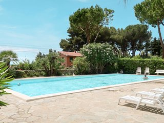Mortola Inferiore Apartment Sleeps 4 with Pool and Air Con - 5715260