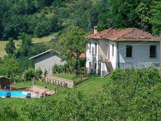3 bedroom Villa in Collaccio, Tuscany, Italy : ref 5651171