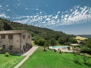 5 bedroom Villa in San Vito, Umbria, Italy : ref 5651536