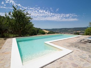 Rocchette Holiday Home Sleeps 10 with Pool and Free WiFi - 5651536