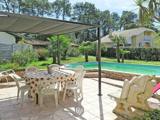 4 bedroom Apartment in Tarnos, Nouvelle-Aquitaine, France : ref 5650573
