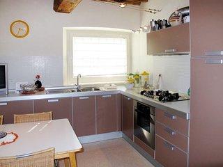 2 bedroom Apartment in Colle di Compito, Tuscany, Italy : ref 5650956