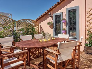 Maridenia 3-bedroom Holiday Home