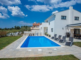 4 bedroom Villa in Visignano, Istria, Croatia : ref 5651763