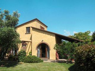 2 bedroom Villa in Villa Campanile, Tuscany, Italy : ref 5651544
