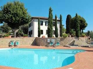 5 bedroom Apartment in Tolena, Tuscany, Italy : ref 5651085