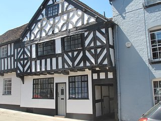 16th century cottage in a quiet, central location in Ludlow, with a sunny garden
