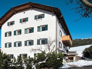 3 bedroom Apartment in Urtijëi, Trentino-Alto Adige, Italy - 5650933