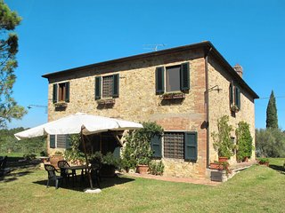 4 bedroom Villa in Morrocco, Tuscany, Italy : ref 5651219