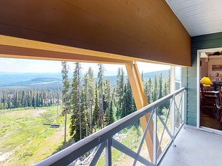 3 Bedroom condo on Hummingbird Ski Run - Great ski in/out access