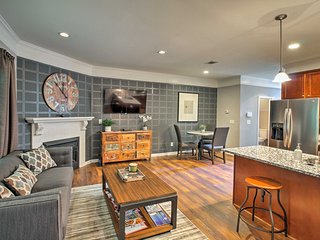 NEW! Renovated Atlanta Townhome w/ Pool Access!