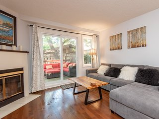Beautiful 4 bed, 3 bath Townhouse Nr Byward Market