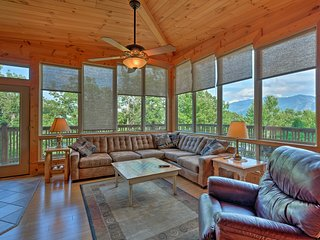 NEW! Gatlinburg Cabin w/ Hot Tub & Mountain Views!