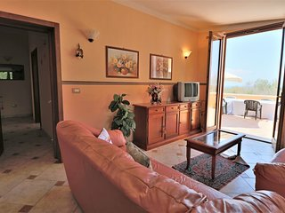 Donna Lucia holiday home overlooking the sea in Puglia just steps from the coast