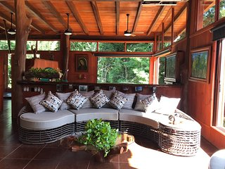 Luxury Jungle Villa 30 min to Beach