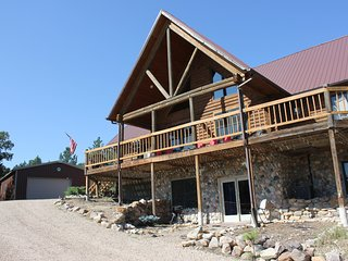 Luxury In Nature, Quiet Getaway, Expansive Deck, Terry Peak, Close To It All