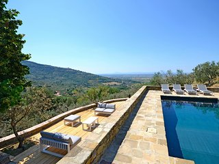 4 bedroom Villa in Catrosse, Tuscany, Italy : ref 5630049