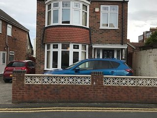 The Bays 3 Bed Detached Family Holiday House 150m to Seafront offroad parking