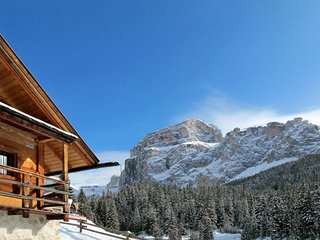 4 bedroom Apartment in Pecol, Trentino-Alto Adige, Italy : ref 5651524