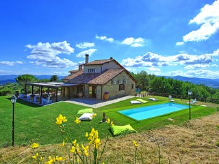 6 bedroom Villa in Prine, Umbria, Italy : ref 5651888