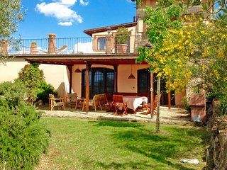 Invalidi di Guerra Holiday Home Sleeps 5 with Pool Air Con and Free WiFi