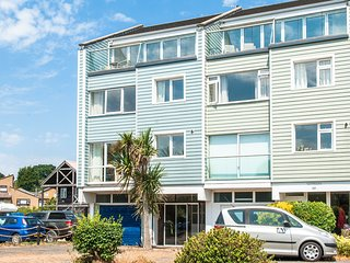 Harbour Lights, Bembridge Marina Excellent Holiday Home In A Great Location