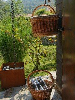 Bed and Breakfast naturAS - La Casetta nel Bosco. I cestini della colazione