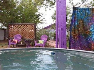 New! Private Oasis w/Bohemian Luxury & 80-120° Outdoor Mineral Water Tub/Shower!