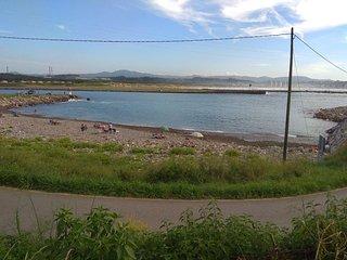 Casa frente a la playa del Arañón. Zona de pesca deportiva.