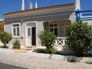 Located near Pinhal Golf Course with private swimming pool