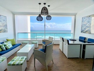 Perfect 2 bedroom apartment ocean front