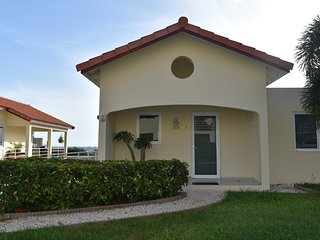 33B Royal Palm. Bright 2B-room iLiveCuracaoSun!