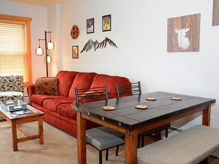 Newly Updated Copper Springs 1 Bedroom Condo!