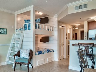 Waterscape  Resort - On the beach - 1 bedroom with bunks Walk-Out Unit  -New-