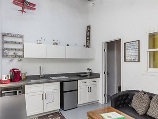 Baden (#D) · 2 Bed/1Bath/Kitchenette Unit in South SF (Green)