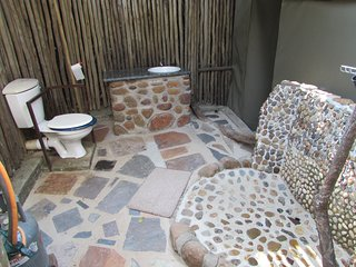 Kruger Park:- Budget accommodation between the Millionaire resorts