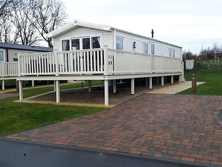 blue dolphin holiday Park prestige holiday home with decking