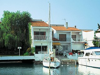 3 bedroom Villa in Empuriabrava, Catalonia, Spain : ref 5652912