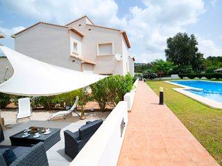 3 bedroom Villa with Pool, Air Con and WiFi - 5644744