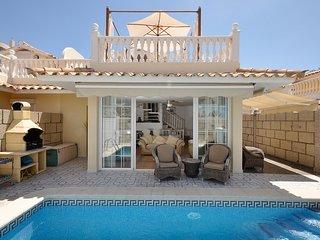 Villa Arona mit eigenem Pool
